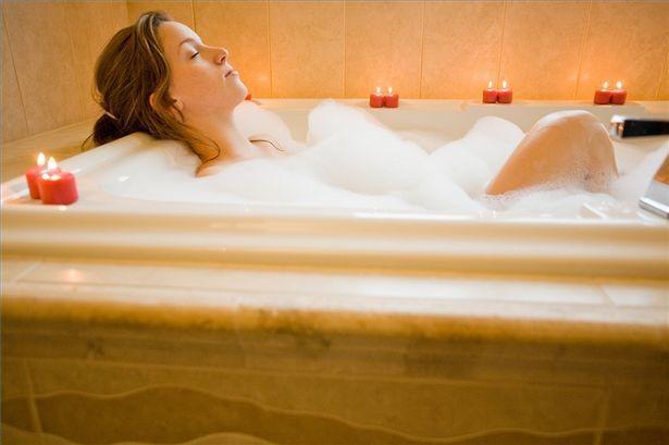 article-new_ehow_images_a02_4u_bi_relax-hot-bath-800x800