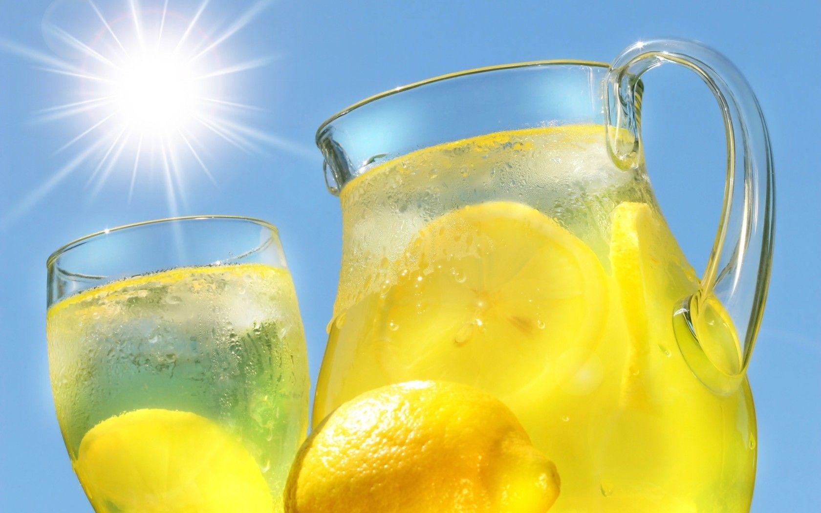 acqua-limone-al-mattino