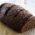 Pane di segale: ingredienti, proprietà, benefici, ricetta e controindicazioni