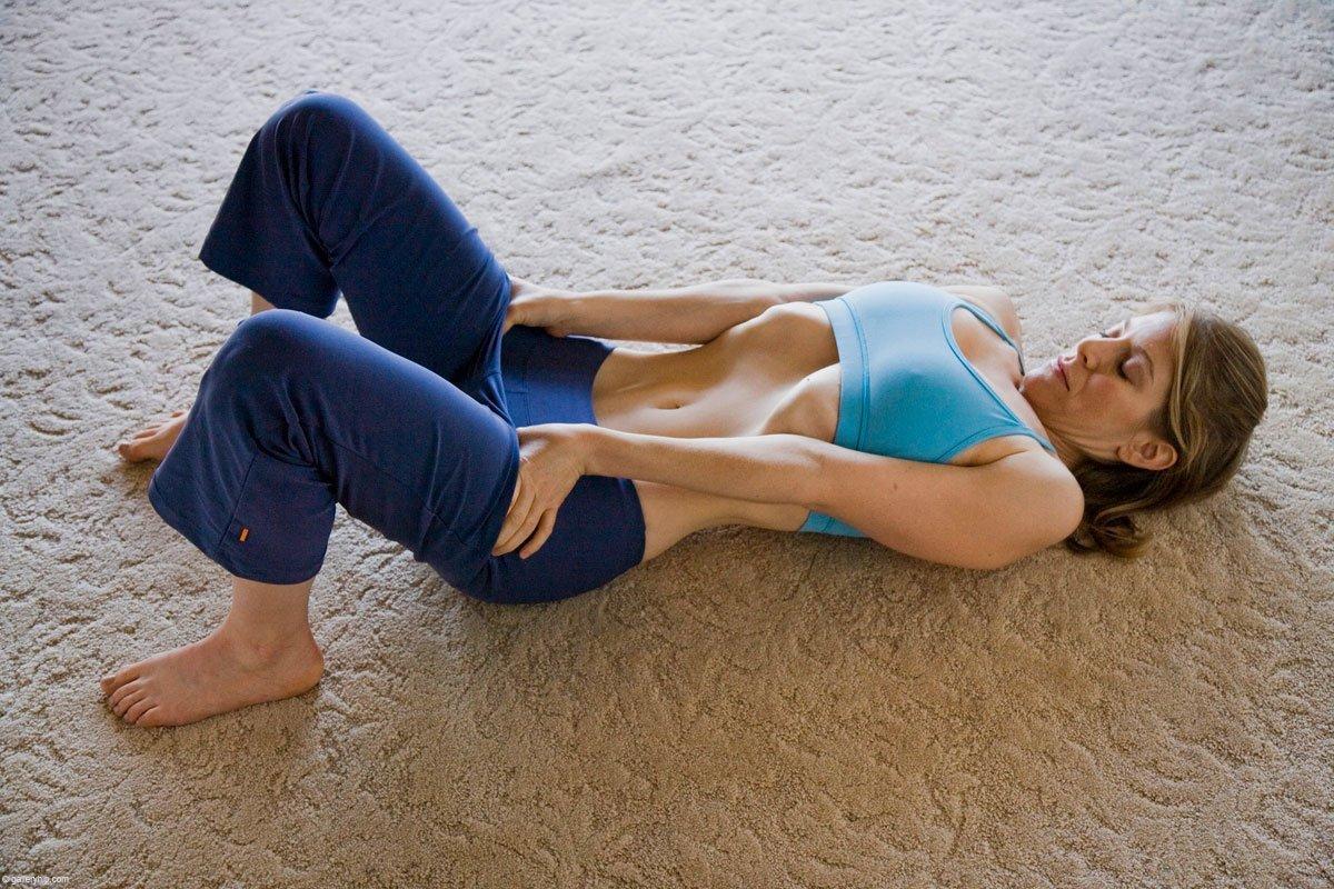 Vacuum addominale sdraiato o da seduto: come si fa, prima e dopo, effetti collaterali e consigli