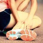 Come gestire la distorsione alla caviglia con rimedi naturali